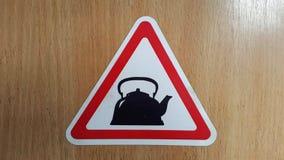 Комплект ярлыков на чае темы Чай логотипа на деревянной предпосылке Стоковое Изображение