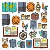 Комплект doodle вектора с приключением значков перемещения исследует картину Doodle рюкзака карты билета пасспорта камеры безшовн Стоковые Изображения RF