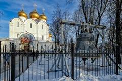 Комплект External колоколов собора предположения нашей дамы стоковое фото rf