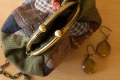 Комплект ` s женщин аксессуаров моды в золотом цвете Стоковая Фотография RF