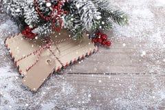 Конверты и украшения рождества стоковые фото