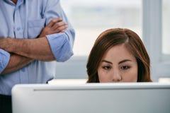 Конец-вверх азиатской женщины в офисе Стоковая Фотография RF