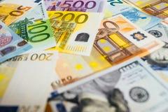 Конец-Вверх американских долларов США и евро Стоковые Изображения