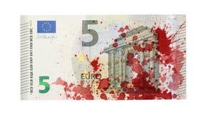 Конец-вверх банкноты евро 5, запятнанный с кровью Стоковое фото RF