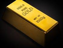 Конец-вверх бара золота стоковые изображения