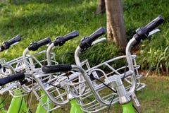 Конец-вверх бара и колокола ручки велосипеда строки, изображение велосипеда ren Стоковая Фотография