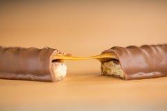 Конец-вверх бара шоколада и карамельки Стоковые Фото