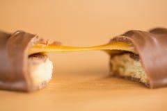 Конец-вверх бара шоколада и карамельки Стоковые Изображения