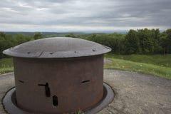 Конец-вверх башенки пулемета на форте Douaumont Стоковые Изображения