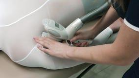 Конец-вверх женского Masseur делая массаж Lpg акции видеоматериалы