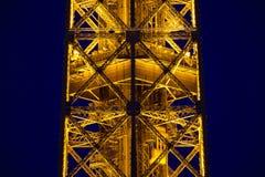 Конец-вверх загоренной Эйфелева башни Стоковая Фотография RF