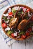 Конец-вверх зажаренных триперсток и свежих овощей Вертикальное взгляд сверху Стоковая Фотография RF