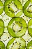 Конец-вверх зеленого куска плодоовощ кивиа на белой предпосылке Стоковая Фотография RF