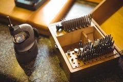 Конец-вверх комплекта бурового наконечника в держателе стоковые фото