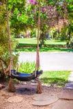 Конец-вверх красивого качания в саде Стоковое Изображение