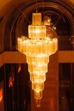 Конец-вверх красивого кристаллического chandelierClose-up beautif Стоковое Фото