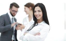Конец-вверх красивого менеджера и сотрудников женщины в офисе Стоковое Фото