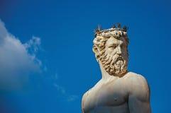 Конец-вверх мраморной головы статуи в фонтане Фонтаны del Nettuno Нептуна на заходе солнца в Флоренсе Стоковое Изображение RF