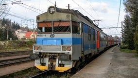 Конец-вверх на электрическом множественном блоке класса 460 работал КОМПАКТНЫМ ДИСКОМ в Mosty u Jablonkova в Чехии Стоковые Изображения
