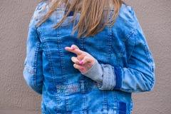 Конец-вверх пересеченных пальцев Стоковое Изображение RF