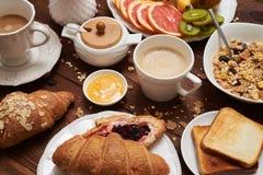 Конец-вверх питательного завтрака утра стоковые изображения