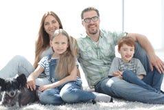 конец вверх портрет семьи счастливый стоковое фото