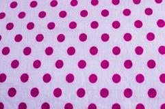 Конец вверх поставил точки печать хлопка формы блока круговая геометрическая предпосылки ткани красного цвета Безшовная красочная стоковые изображения rf