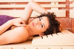 Конец-вверх привлекательной стороны женщины в сауне соли Стоковое фото RF