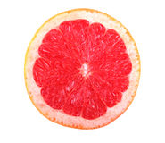 Конец-вверх свежей, зрелой, сочной половины яркого красного грейпфрута, изолированной на белой предпосылке свежий грейпфрута пинк Стоковые Изображения RF