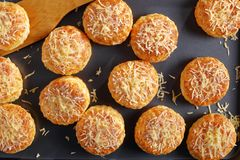 Конец-вверх свеже испеченных английских scones Стоковая Фотография RF