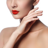 Конец-вверх снял губ женщины с лоснистой красной губной помадой Стоковое фото RF