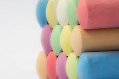 Конец-вверх строк красочной предпосылки мела классн классного Стоковая Фотография RF