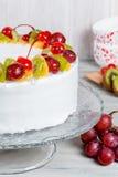 Конец-вверх съемки белого торта плодоовощ Стоковое Фото