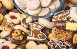 Конец-вверх традиционных домодельных печений рождества Стоковое фото RF