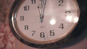 Конец-вверх часов кварца стены Подержанные движения в круге Славный план Бега времени неумолимо История акции видеоматериалы