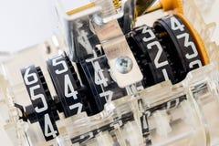 Конец-вверх частей шкалы электрического счетчика стоковое изображение rf