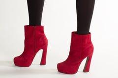 Конец-вверх яркой обуви стоковое фото rf