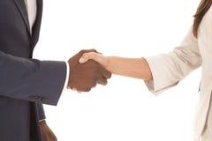 Конец встряхивания бизнесмена и женщины Стоковая Фотография RF
