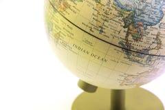Конец глобуса вверх, Индийский океан в прошлом Стоковые Фотографии RF