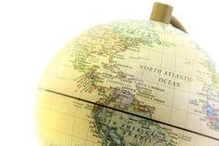 Конец глобуса вверх, северный Атлантический океан в прошлом Стоковая Фотография RF