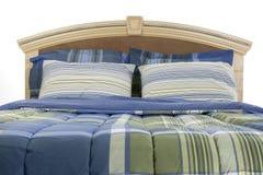 конец кровати над поднимающей вверх белизной Стоковые Изображения