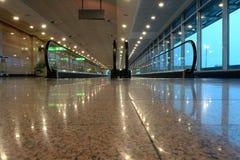Конец дорожки авиапорта moving Стоковая Фотография RF