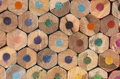 конец расцветки дробит взгляд на участки карандашей Стоковые Фотографии RF