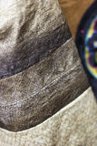Конец ткани кожи рыб вверх в деталях Традиционное этническое ремесло o Стоковое фото RF