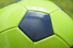 Конец футбольного мяча футбола вверх по фото Резвит фотография Стоковое Изображение