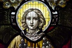 Конец цветного стекла церков Сент-Эндрюса вверх по южному Chancel Стоковые Изображения