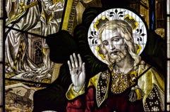 Конец цветного стекла церков Сент-Эндрюса вверх по d Стоковое Изображение