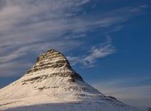 Коническая гора Kirkjufell на заходе солнца стоковая фотография