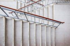 Конкретная лестница вне здания стоковое фото rf