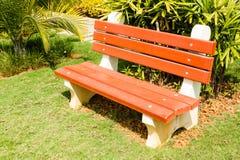 Конкретная скамейка в парке Стоковое Изображение RF